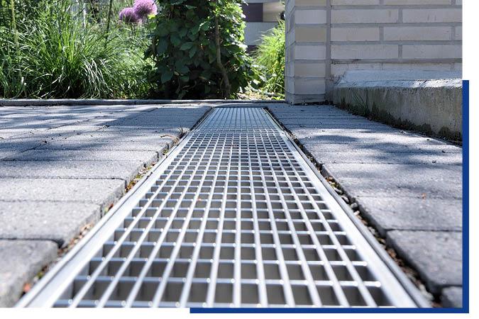 Abwasserrinnen und Terrassenpflaster von Schwarz & Sohn