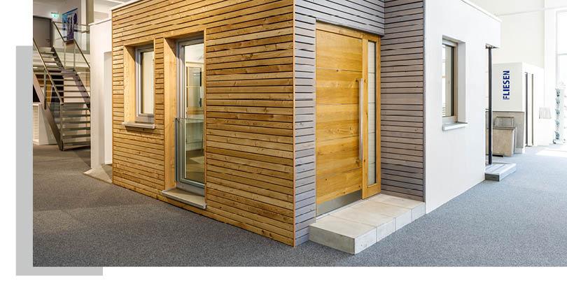Fassaden aus Holz in der Ausstellung von Schwarz & Sohn